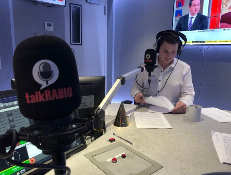 Josh in concentration when presenting the reaction to the Academy Awards 2018 on talkRADIO with James Max